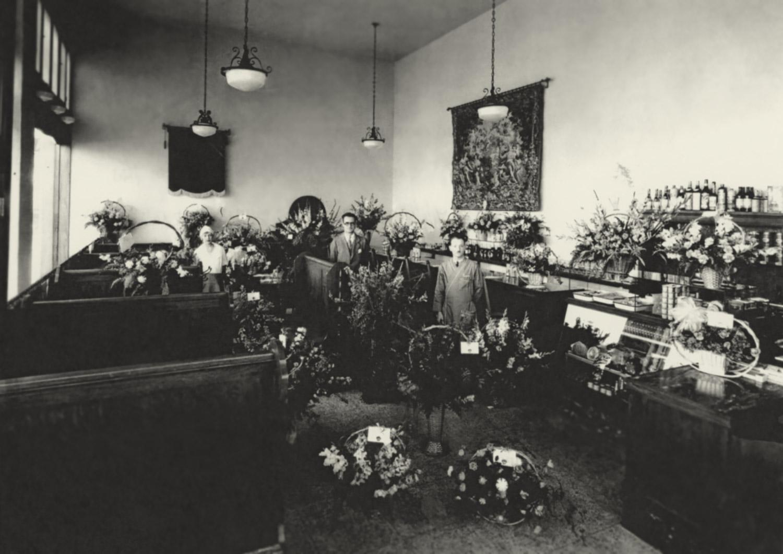 1929 Caesar's Restaurant opening