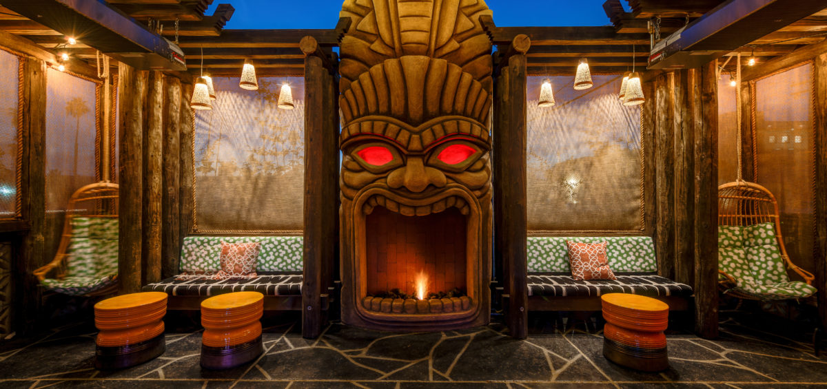 The Grass Skirt, fireplace