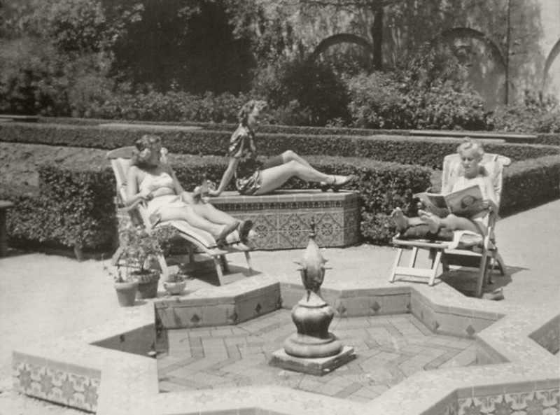 US Navy nurses during WWII, Alcazar Gardens, Balboa Park
