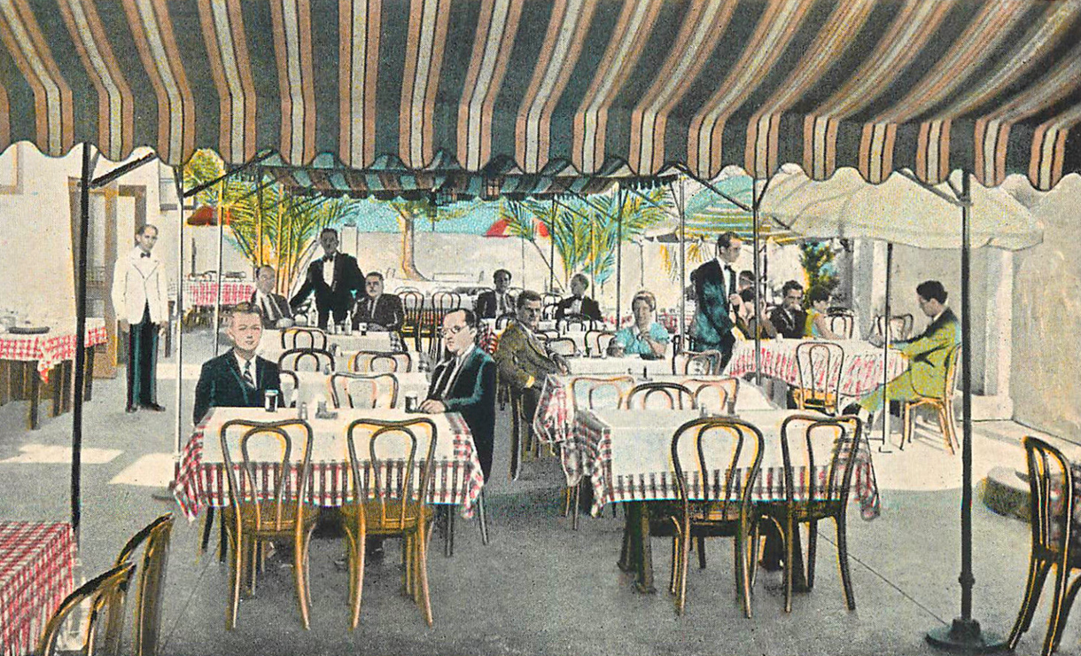 Hotel Caesars Place patio 1931