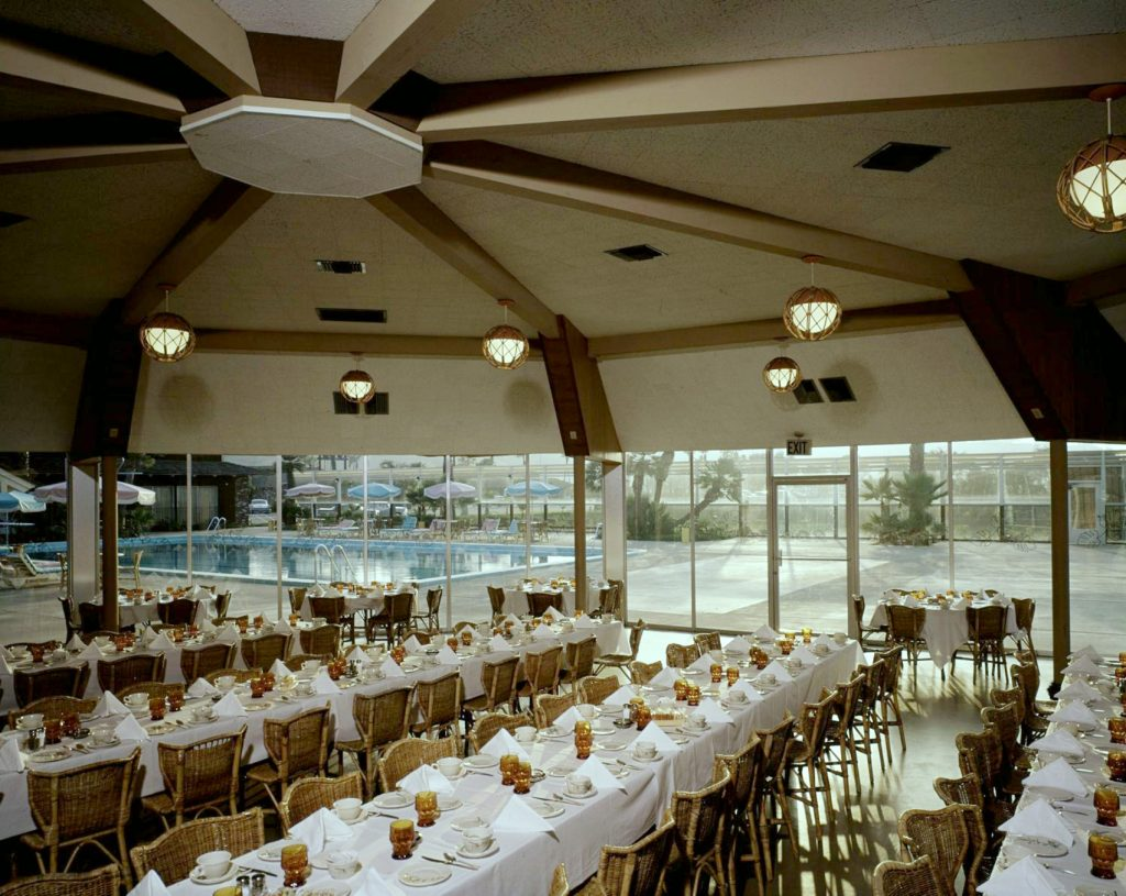 Tiki Hut interior, 1962