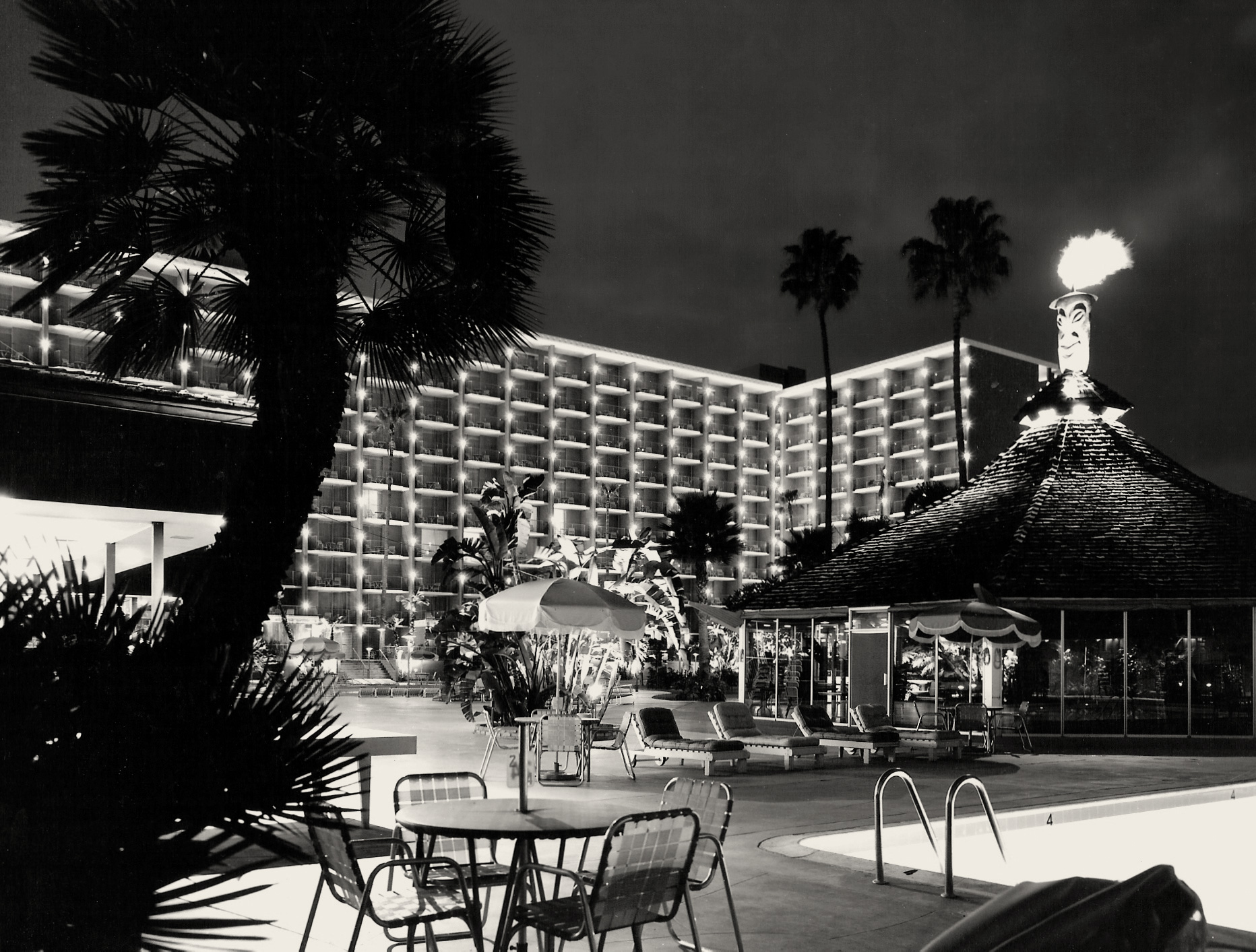 Tiki Hut at night, Town and Country Hotel, 1968